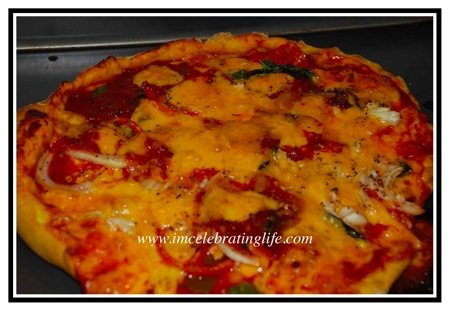 Vegan.Pizza_1.08.10.10.jpg