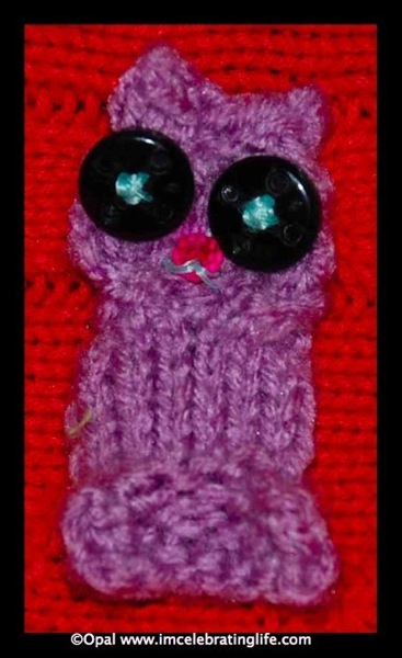 Knitted cable owl applique 2