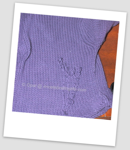 Unravelling sweater for yarn