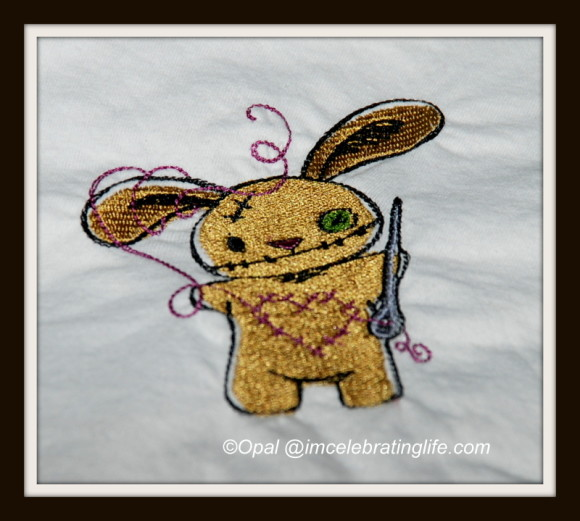 Machine embroidered bunny with the Brother SE400