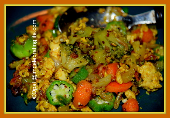 Vegetarian broccoli, okra, carrots and eggs_2