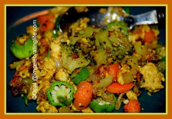Vegetarian broccoli, okra, carrots and eggs_2