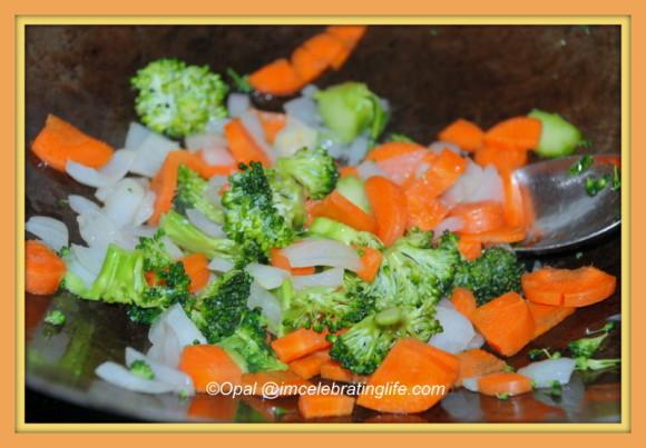 Vegan.Broccoli and carrots.11.18.13