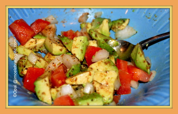 Avocado and tomato_2